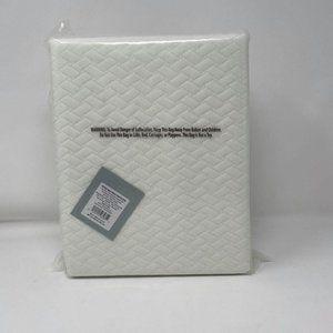 Twin XL Temperature Balancing Mattress Protector